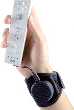 Retractable Wii Sports Cuff enables flinging action