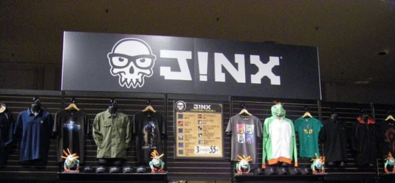 BlizzCon 2010: J!nx shows off with murloc hoodies and new arrivals