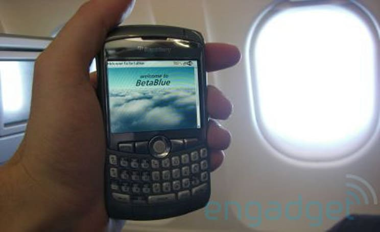 Hands-on with BetaBlue, JetBlue's WiFi-equipped Airbus
