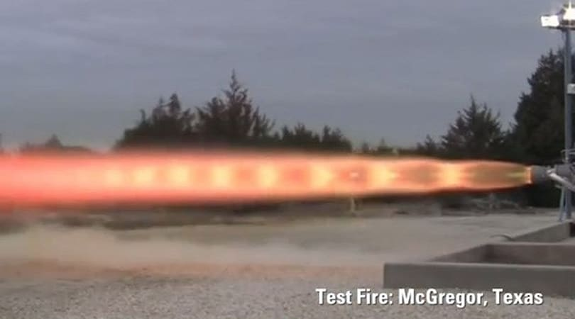 SpaceX test-fires its 'super' rocket engines (video)