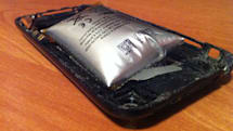 iPhone 3GS battery swells to absurd size [Update]
