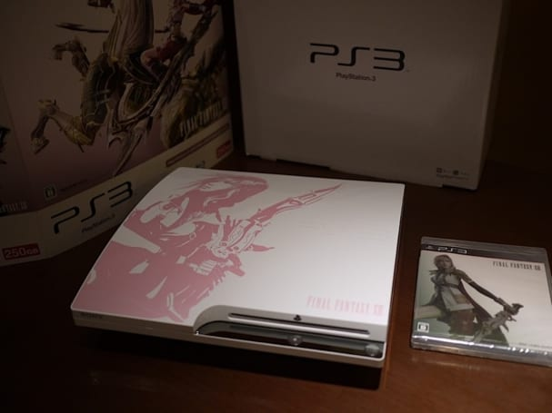 Limited edition Final Fantasy XIII PS3 gets unboxed