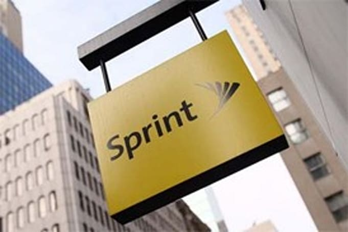 Sprint to pay at least $1 billion to use Clearwire's 4G network through 2012