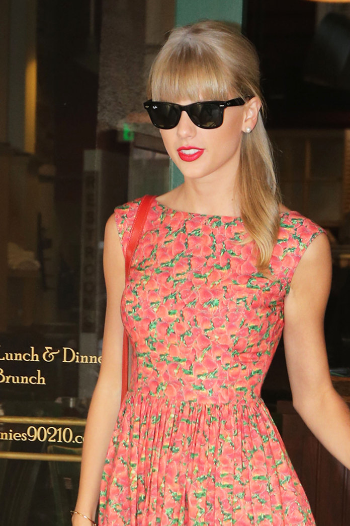 Taylor Swift's sexy red lips: Get her perfect pout