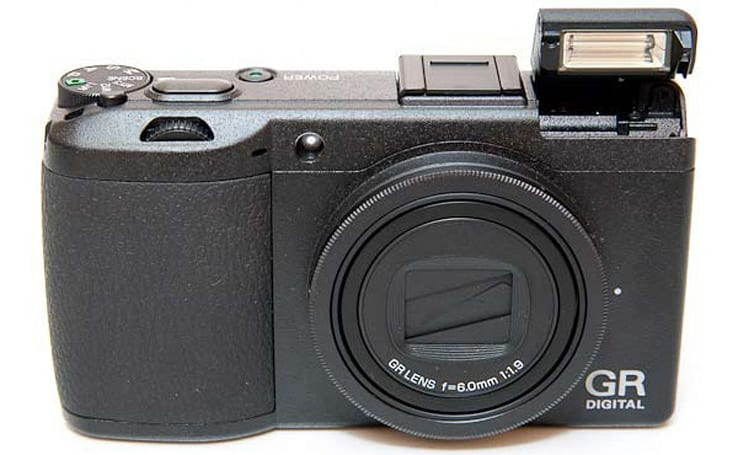 Ricoh GR Digital III hits the review bench, collects plaudits