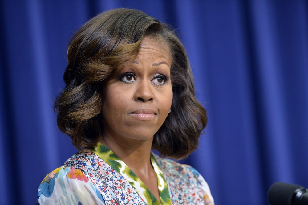 Swell Look Of The Week First Lady Michelle Obama Sports New Hairstyle Short Hairstyles Gunalazisus
