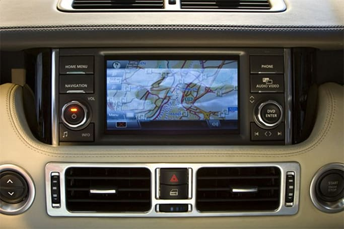 2010 Range Rover gets 12-inch 'dual view' touchscreen