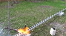 1000 Grad heißes Messer mit Raketenantrieb