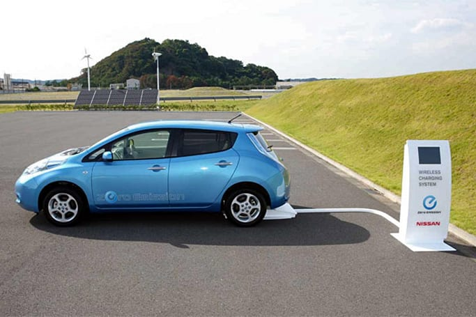 Nissan Leaf to get inductive charging, lose its stem in 2013 (video)
