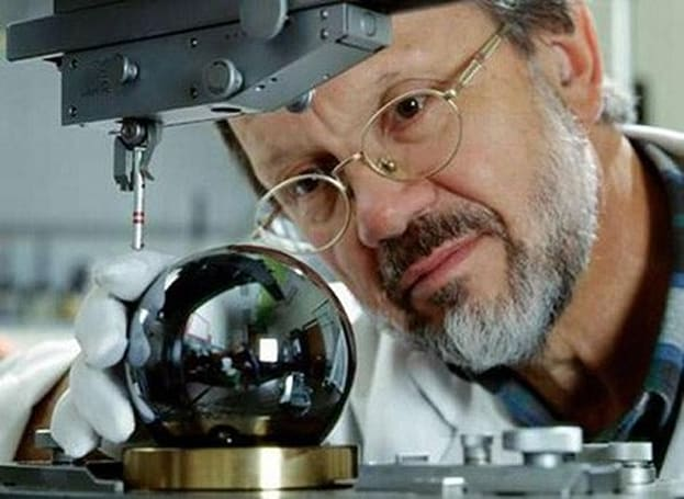 Scientists create roundest objects in the world