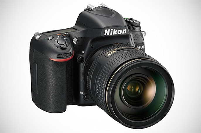 Nikon's full frame D750 packs a tilting LCD and WiFi for pros on the go