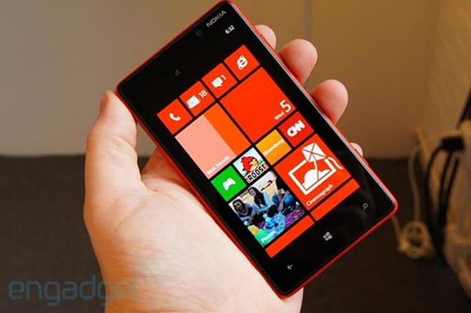Nokia Lumia 820 hands-on (update: now with video)