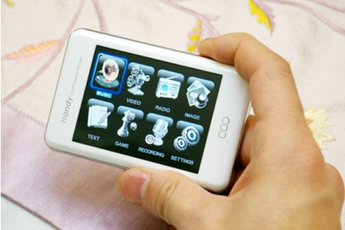 Acelabs S3 touchscreen PMP actually plays useful formats