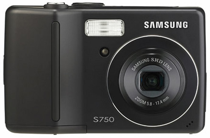 Samsung's 7.2 megapixel S750: yet another compact digital camera