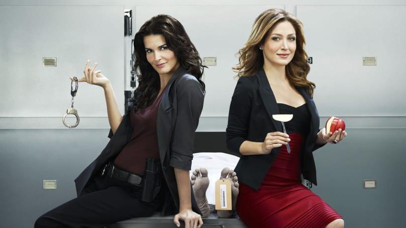 Time Warner fights Netflix by offering TV seasons on-demand
