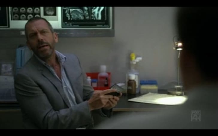 Screen grabs: House, MD likes a little PSP Go between his high-risk medical procedures