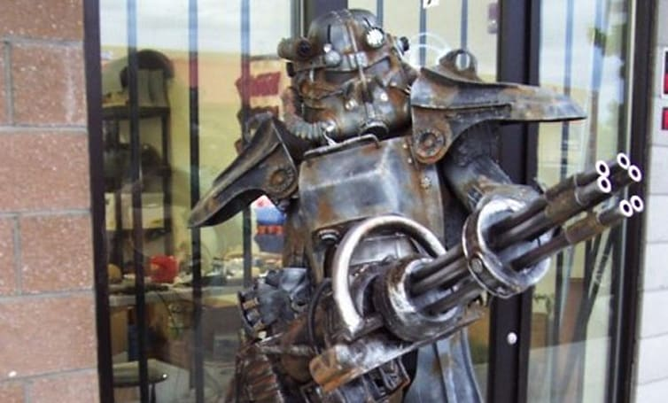 We want this Fallout 3 Brotherhood of Steel costume