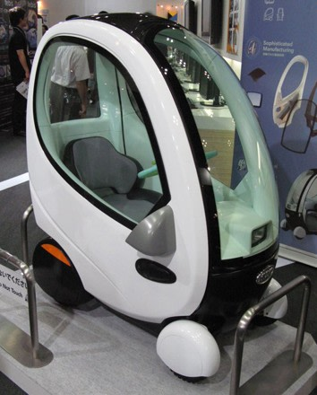 topia shows off 330 pound huvo electric car. Black Bedroom Furniture Sets. Home Design Ideas