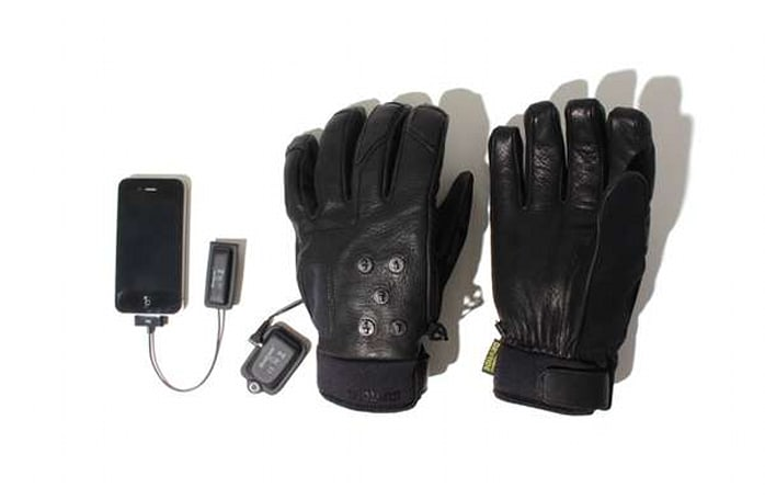 Mix Master Gloves keep your hands warm, control your iPod. Q-bert mitts still MIA (video)