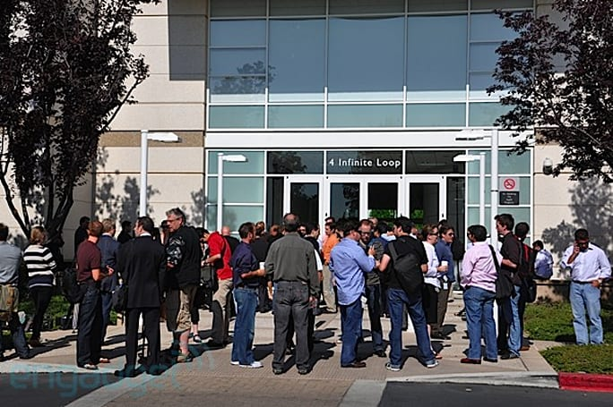 Live from Apple's iPhone 4 press conference