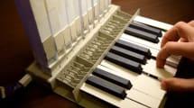Respekt: Funktionsfähige Orgel aus Pappe