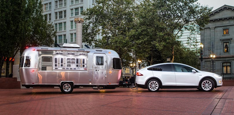 Tesla builds a fleet of mobile Model X showrooms