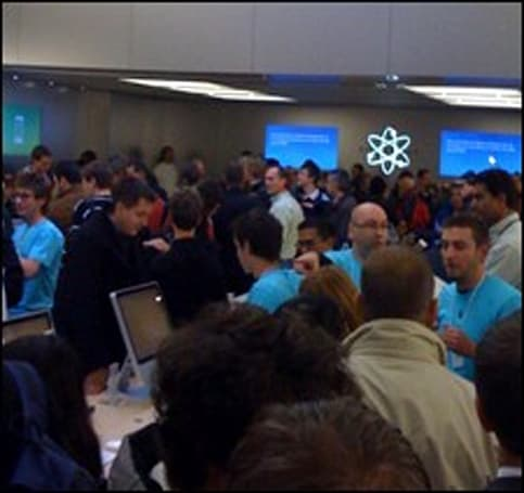 Geneva Apple Store opening photos