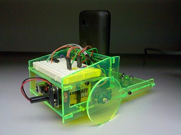 Android and Arduino-packin' Cellbot features voice recognition, autonomy, and charm to spare