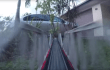 Epische Lego-Eisenbahn fährt durch Haus und Garten