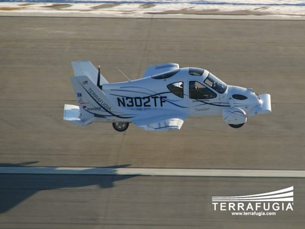 Video: Terrafugia's flying car lifts off