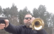 Mal anders: Super Mario Theme mit Trompete und Pistole