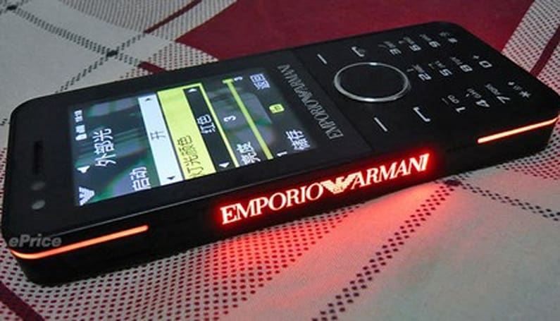 Samsung Armani Night Effect gets unboxed, ready to party