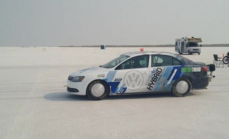 Volkswagen 2013 Jetta Hybrid sets speed record, gives new meaning to hypermiling