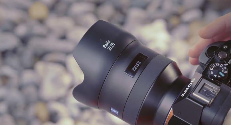 Zeiss's latest full-frame Sony lenses have OLED screens