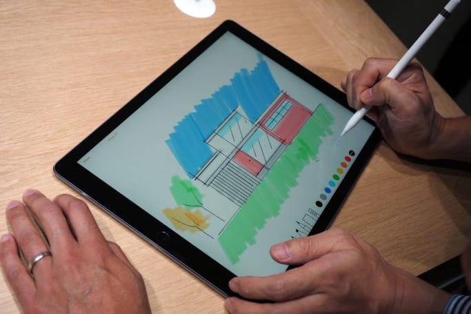 The iPad Pro's Lightning port supports USB 3.0 transfer speeds