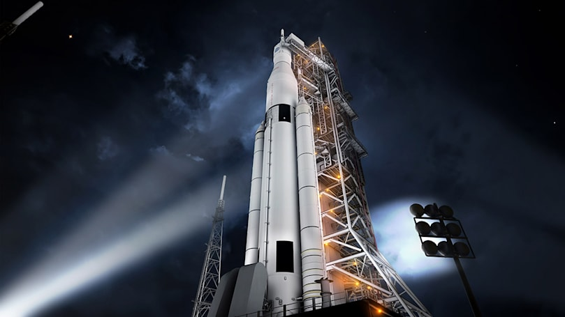 NASA fires up engine that will take the SLS to Mars