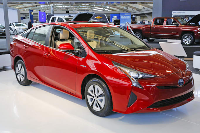 Consumer Reports: 2016 Prius is the most fuel-efficient hybrid ever