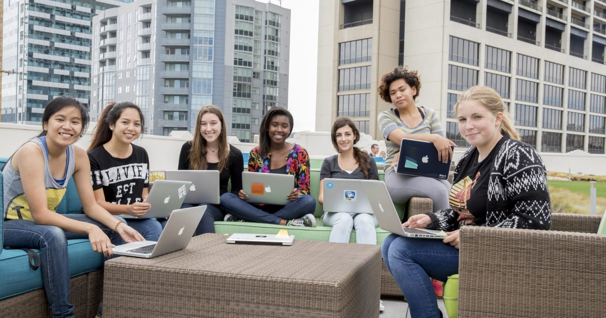 photo image The Female Governors' Summit aims to get more girls into tech