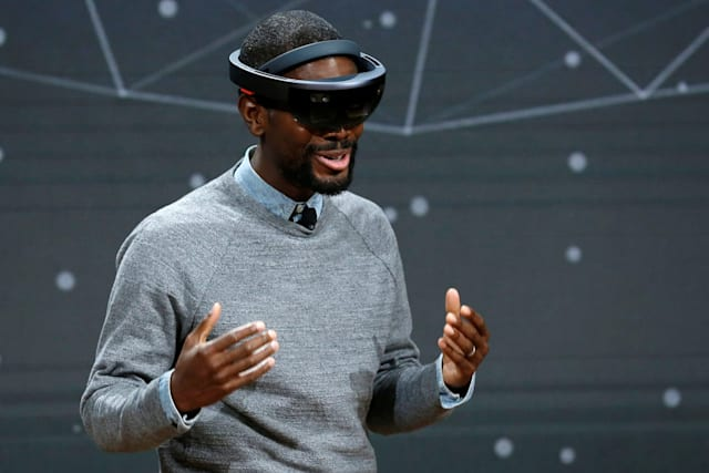 Microsoft has big plans for VR and AR in 2017