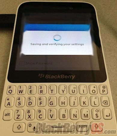 BlackBerry 10 'R-Series' QWERTY images leak out, imply a Curve successor in the making