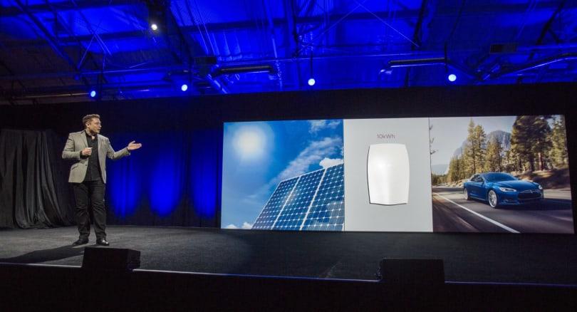Elon Musk's companies team up: Tesla offers to buy SolarCity