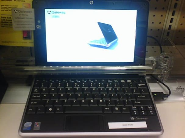 Gateway's LT1004U netbook lands domestically, at Office Depot of all places