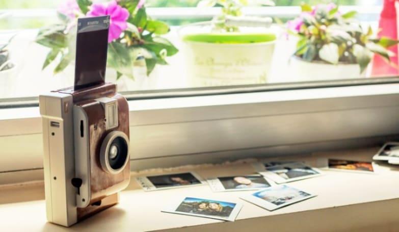 'Lomo Instant' takes your standard Polaroid to the next level