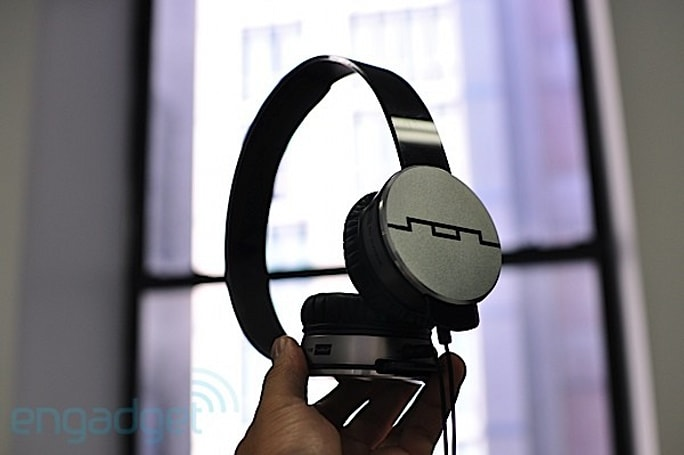 SOL Republic intros Amps and Tracks headphone lines, we go hands-on