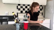 Prost: Simone Giertz baut Bier-Roboter
