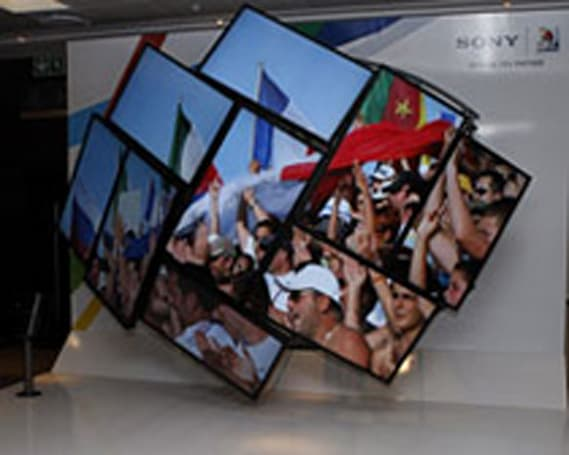 Sony shows off curved multi-panel HDTV display at FIFA event