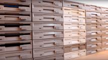 Star Wars-Marsch von 64 Floppy Drives interpretiert
