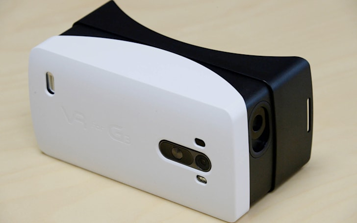 LG builds its own mobile VR headset for the G3