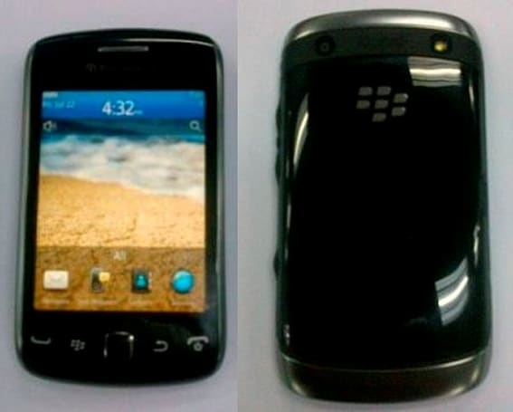 BlackBerry Curve Touch 9380 'Orlando' gets pictured, tourists not included