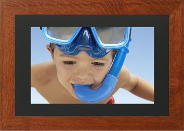 PhotoVu's 17-inch RSS-enabled digital photo frame, the 1765W